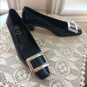 Roger Vivier navy heels size 37
